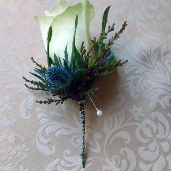 Button Hole wedding flowers by Miss Daisy Warrington