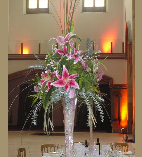 wedding table centre vase arrangement
